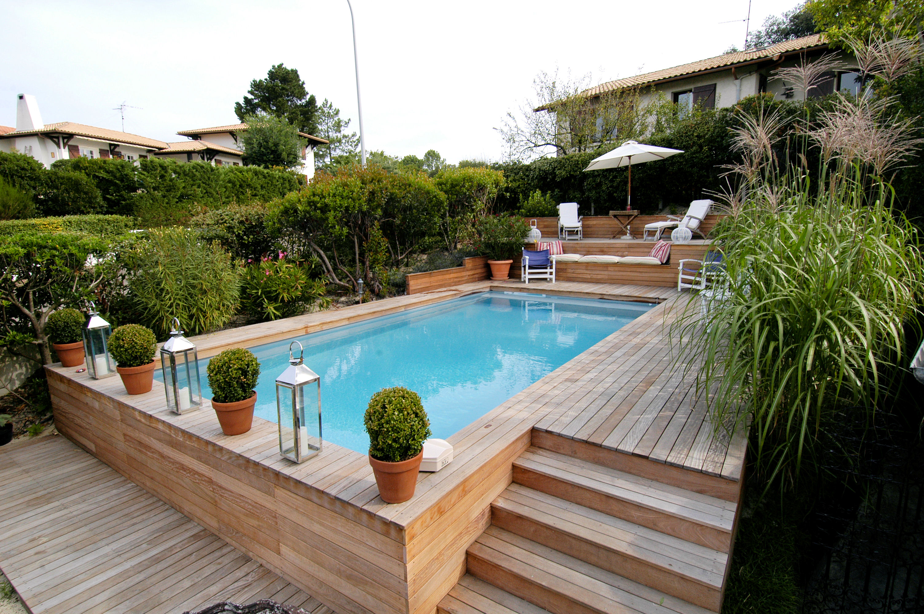 Piscine semi enterree bois for Piscine tubulaire bois